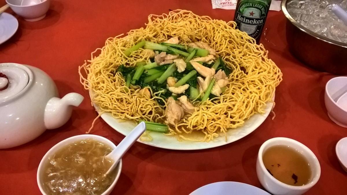 かた焼きそばを食べるなら White Beach Restaurant Penang 沙灘小館